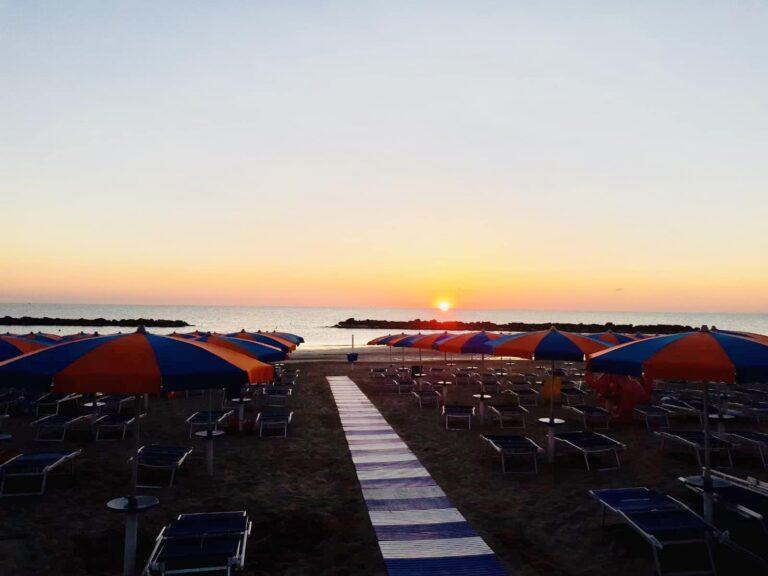 Bagni franco, fano, Fossosejore, spiaggia fano. marche, italia, stabilimento balneare fano,, Spiaggia fosso sejore