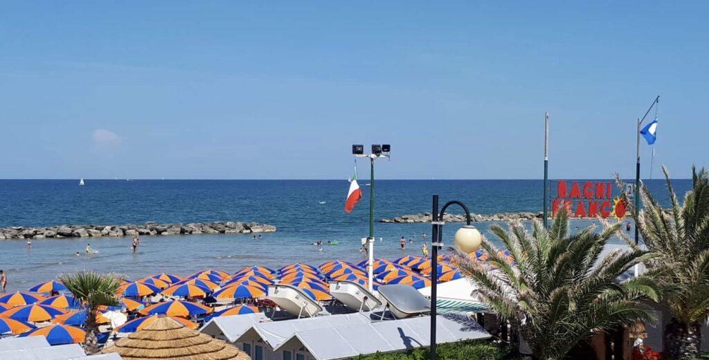 Bagni franco, fano, Fossosejore, spiaggia fano. marche, italia, Spiaggia fosso sejore